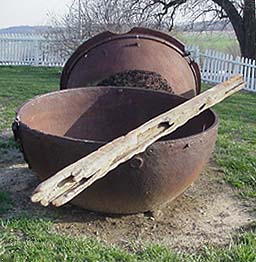 Salt making kettle